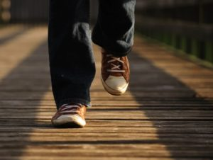 mental benefits of walking on your happiness featured